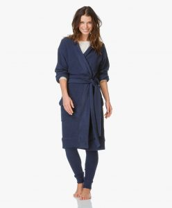 160928-sunday-in-bed-paris-jersey-kimono-navy-01-linique-laren